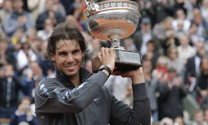 rafael nadal begins bid for 3rd wimbledon title