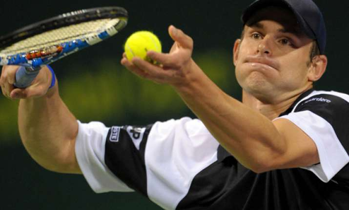 roddick beats lu in 1st round at shanghai masters