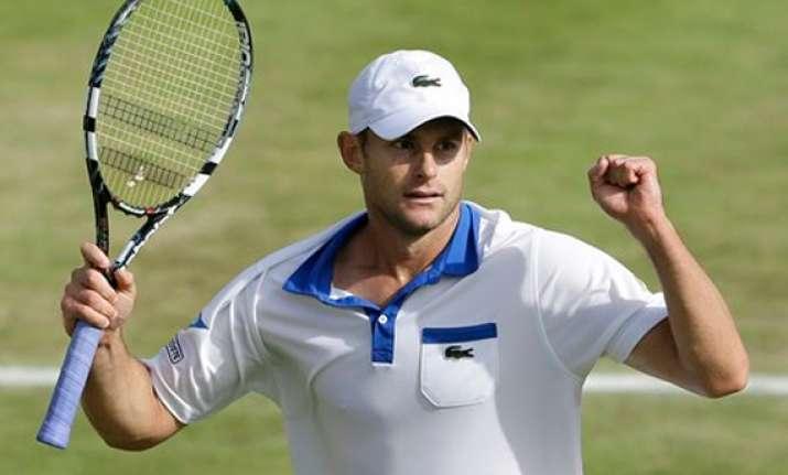 roddick advances to 3rd round at wimbledon