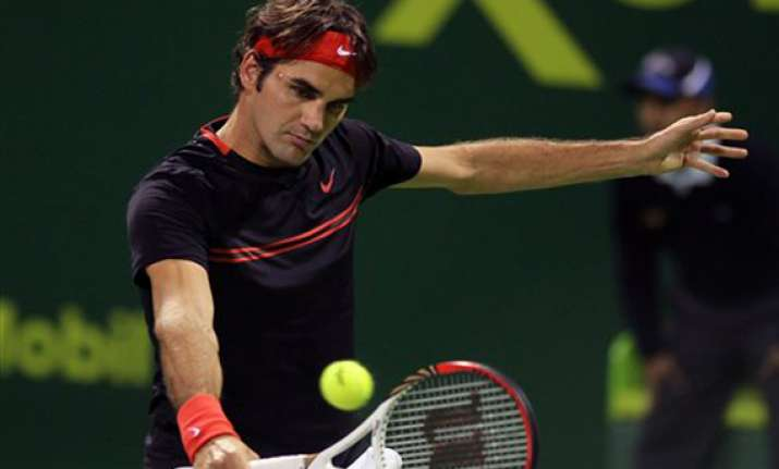 roger federer pulls out of qatar open semifinals