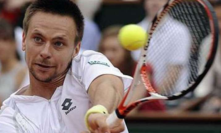 soderling beats ferrer to win swedish open