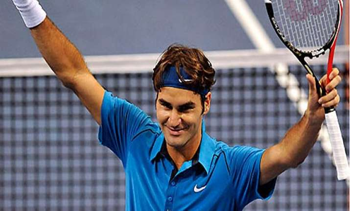 swiss indoors federer beat istomin