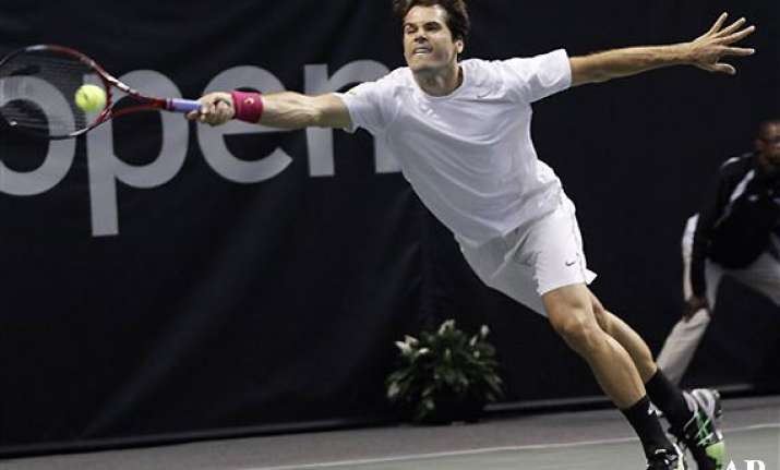 tommy haas reaches 2nd round at memphis