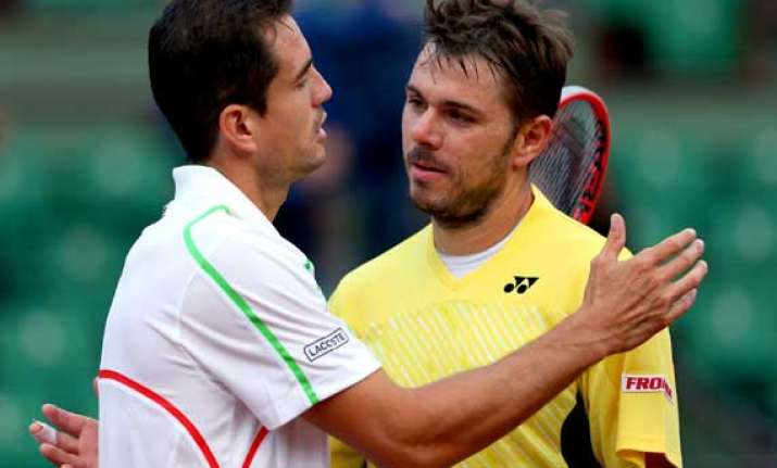 wawrinka crashes out of french open