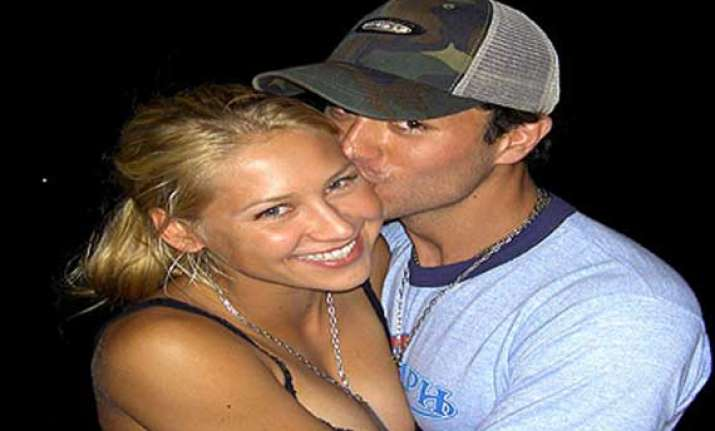 why tennis sensation anna kournikova enrique split after 12