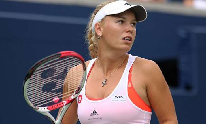 wozniacki stephens reach 2nd round at new haven