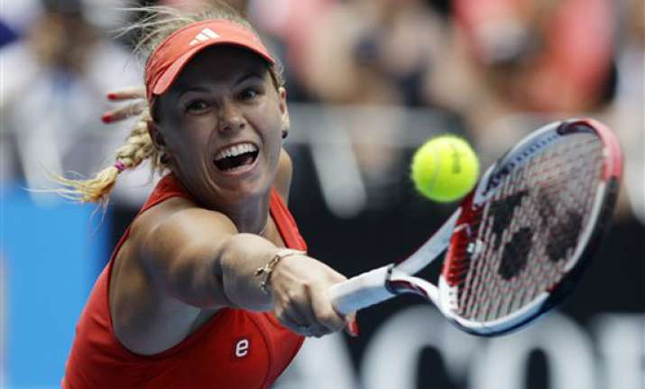 wozniacki into 4th round at australian open