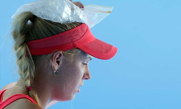 wozniacki ousted by safarova in doha 2nd round
