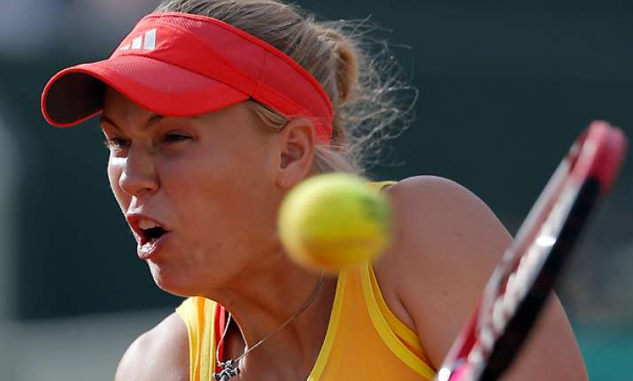 wozniacki knocked out in 3rd round of french open
