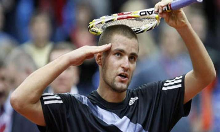 youzhny beats ferrer to win valencia open