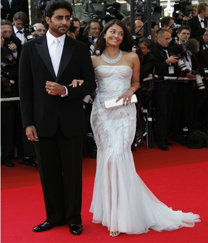 5 Best Looks Of Aishwarya Rai Bachchan At Cannes Over The Years
