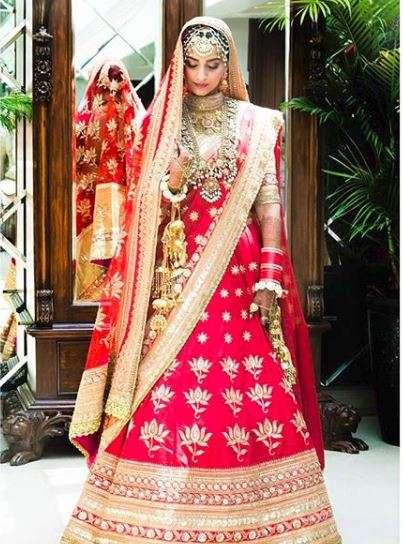 First Pics Sonam Kapoor As Bride