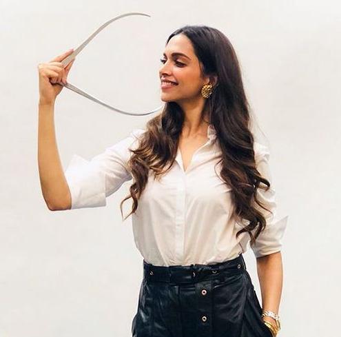 From Kareena to Priyanka, Alia to Shradha, Bollywood divas will show you  how to style your white this monsoon