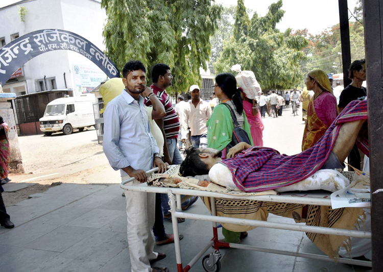 Seven die in PMCH, junior doctors may intensify strike