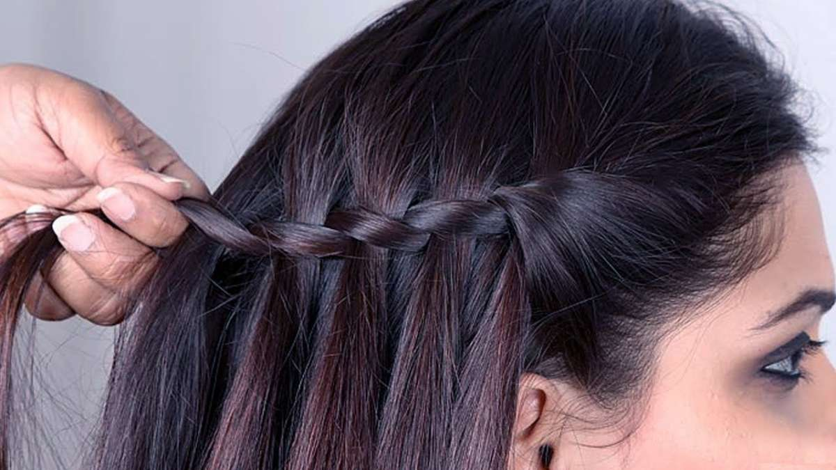 Attention Ladies 4 New Hairstyles To Flaunt This Festival Season Beauty News India Tv