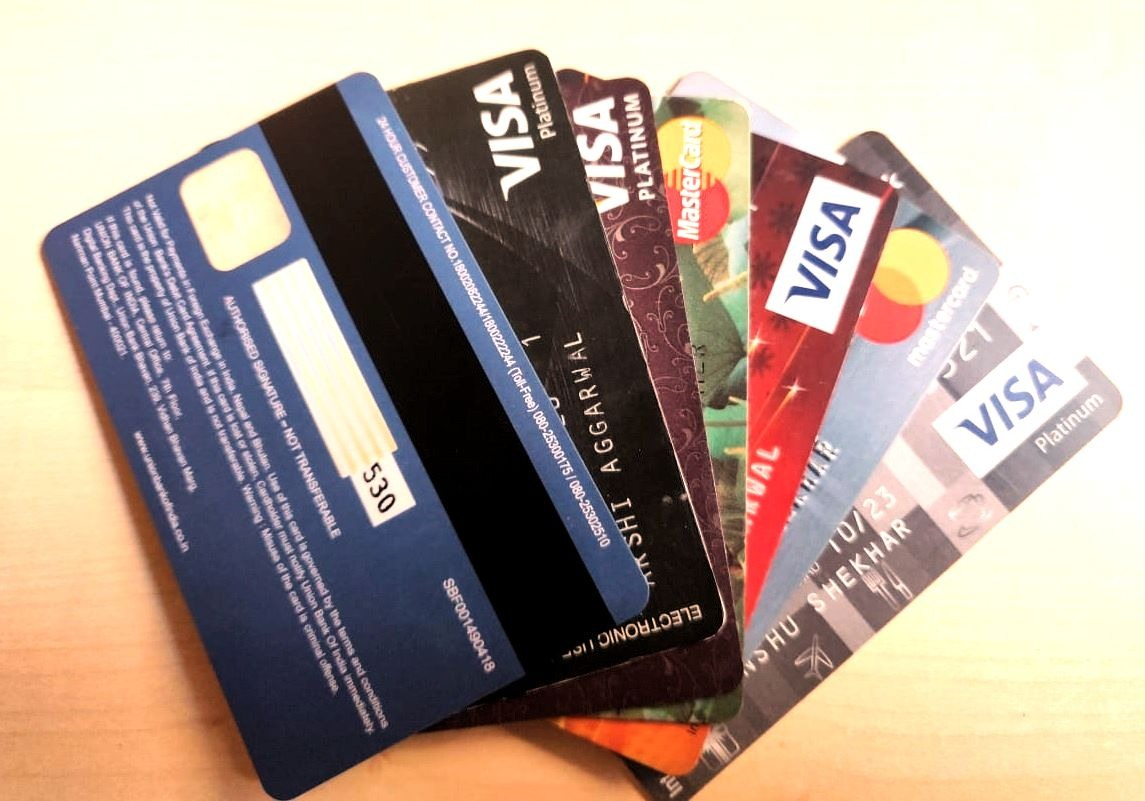 Debit cards – Tips to keep your money safe and avoid debit card ...