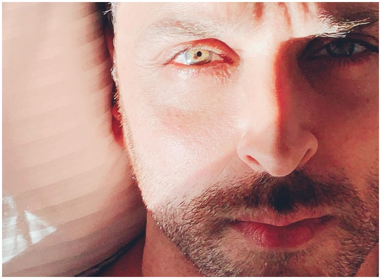 Hrithik Roshan Shares Sun Kissed Selfies Karan Johar Gushes Over Actor S Eyes Celebrities News India Tv Some beautiful paths can't be discovered without getting lost. hrithik roshan shares sun kissed