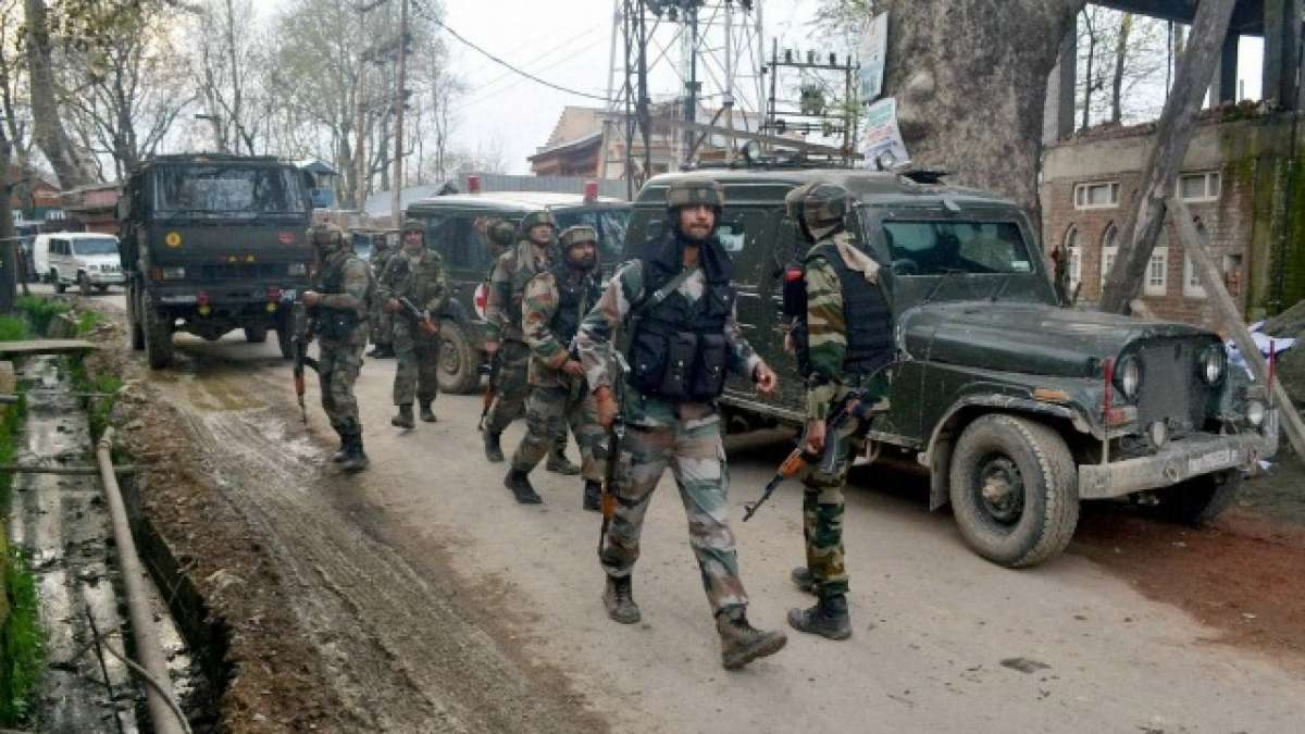 Grenade attack rocks Jammu and Kashmir's Anantnag, 10 civilians injured |  India News – India TV