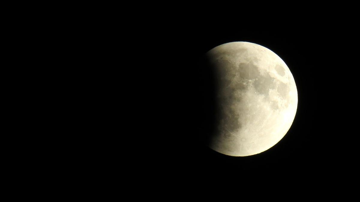 Lunar eclipse 2019 effect on pregnant ladies pregnancy precautions