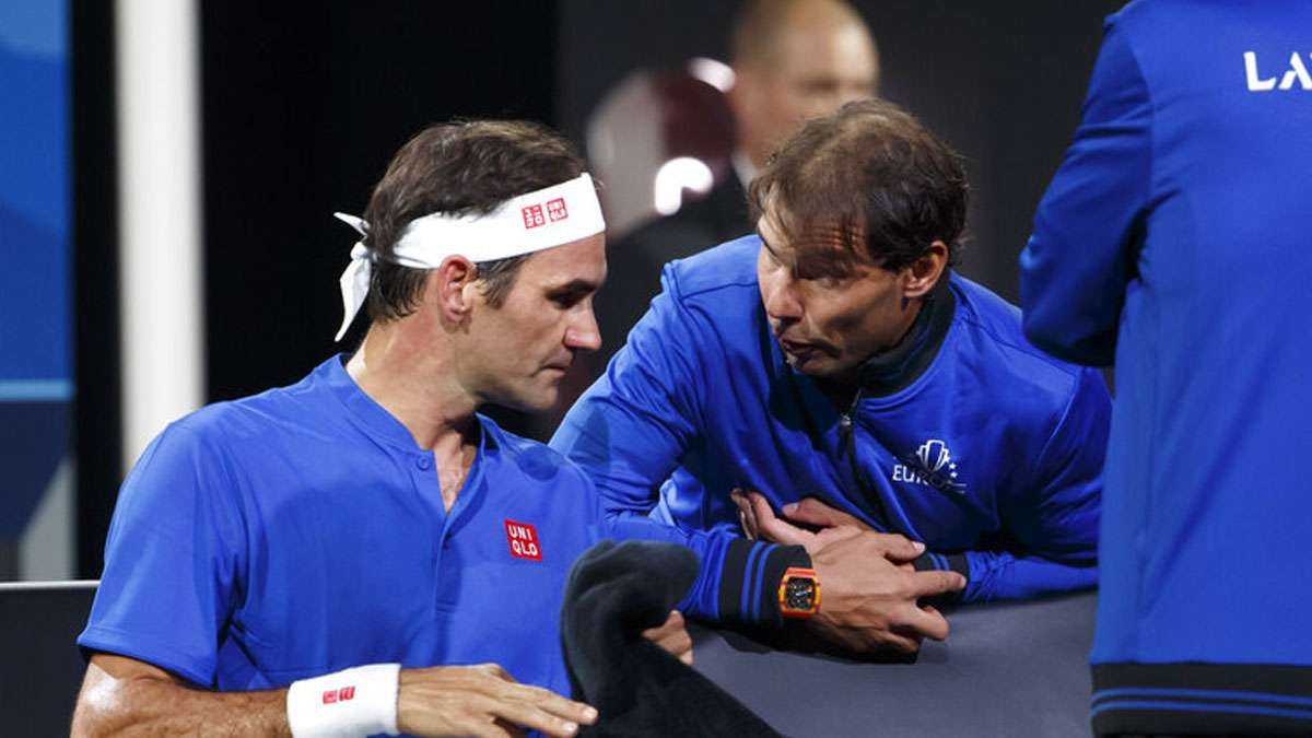 Watch Rafael Nadal Coaches Roger Federer In Laver Cup Helps Him Beat Nick Kyrgios Tennis News India Tv