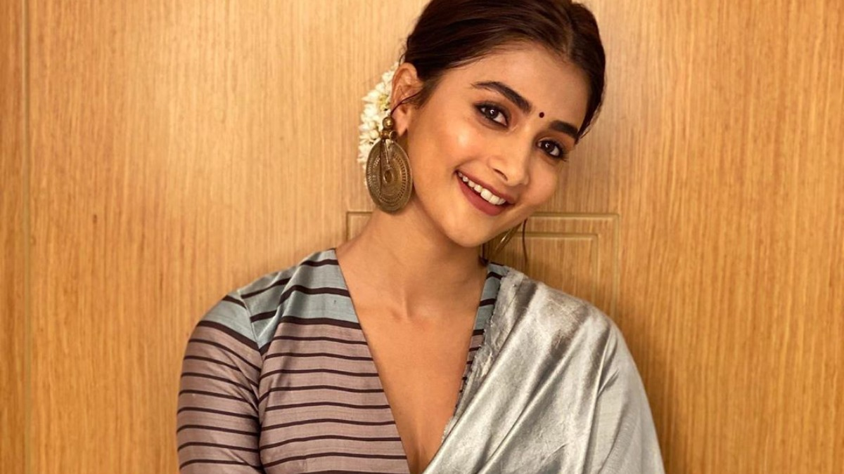 Pooja Hegde donates Rs 2.5 lacs to kids with cancer   Celebrities News – India TV