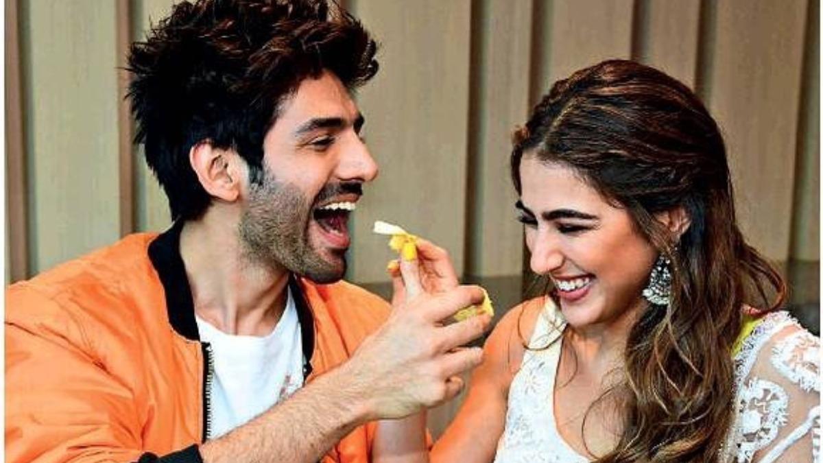 Sara Ali Khan calls Kartik Aaryan the biggest flirt, he questions 'Don't you flirt with me always?'     Celebrities News – India TV