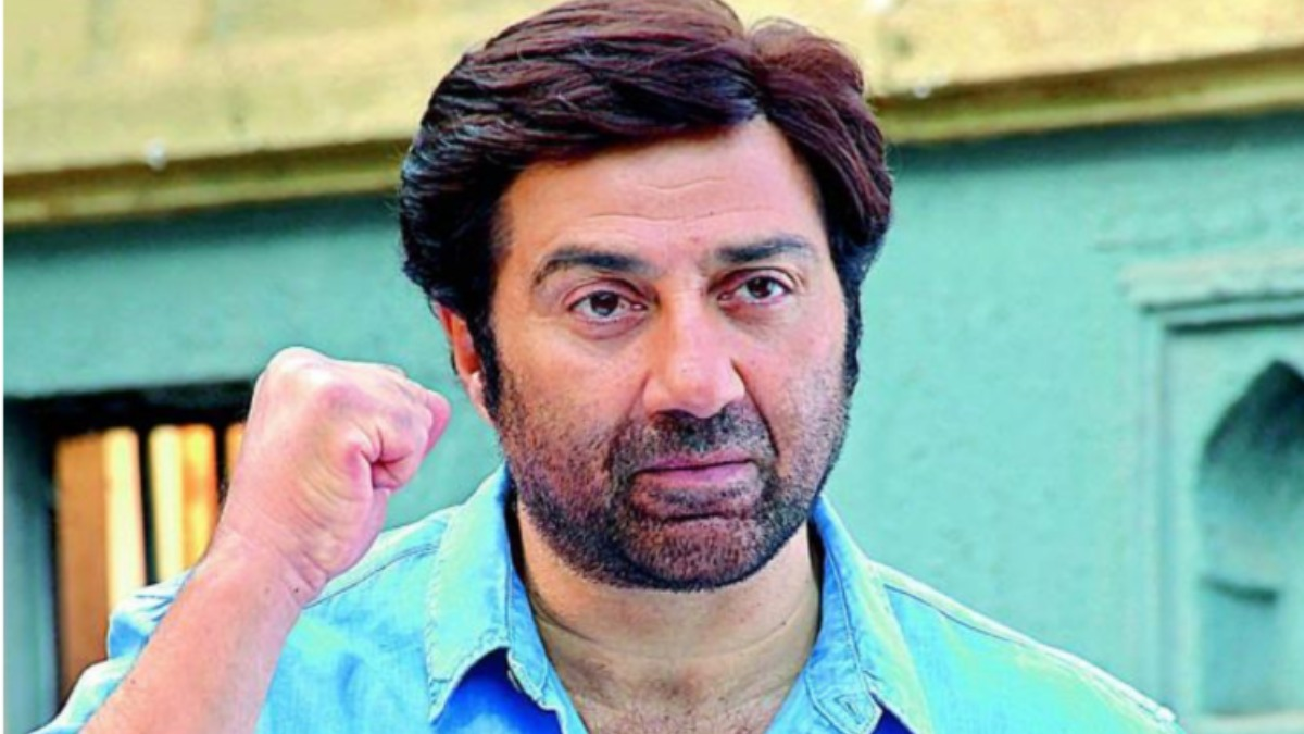 Sunny Deol urges people to stay indoors to protect themselves from coronavirus. Watch video | Celebrities News – India TV