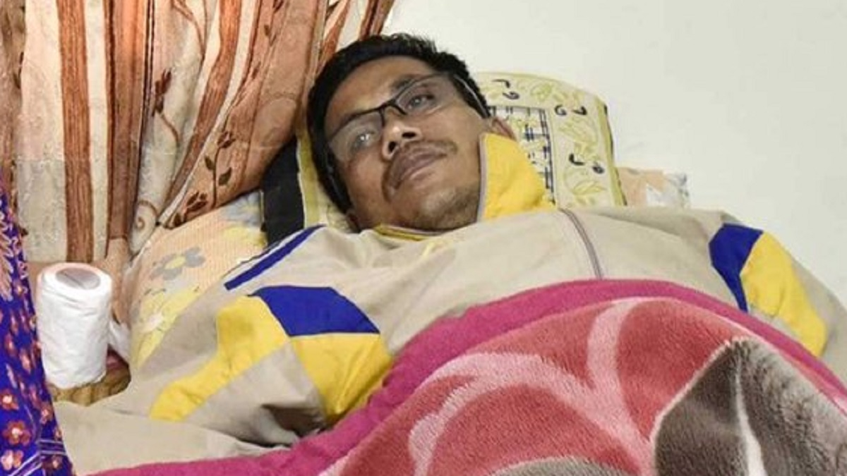 Asian Games gold medalist Dingko Singh airlifted to Delhi for cancer treatment   Other News – India TV