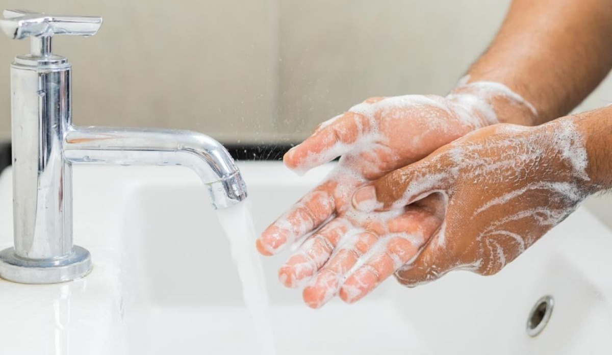 Coronavirus: Hand sanitiser or soap-water? Which is more effective ...