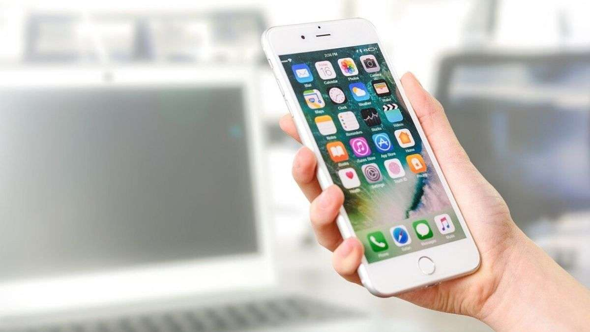 Apple Could Include Home Screen Widgets Wallpaper Customisations In Ios 14 See What It Means Technology News India Tv