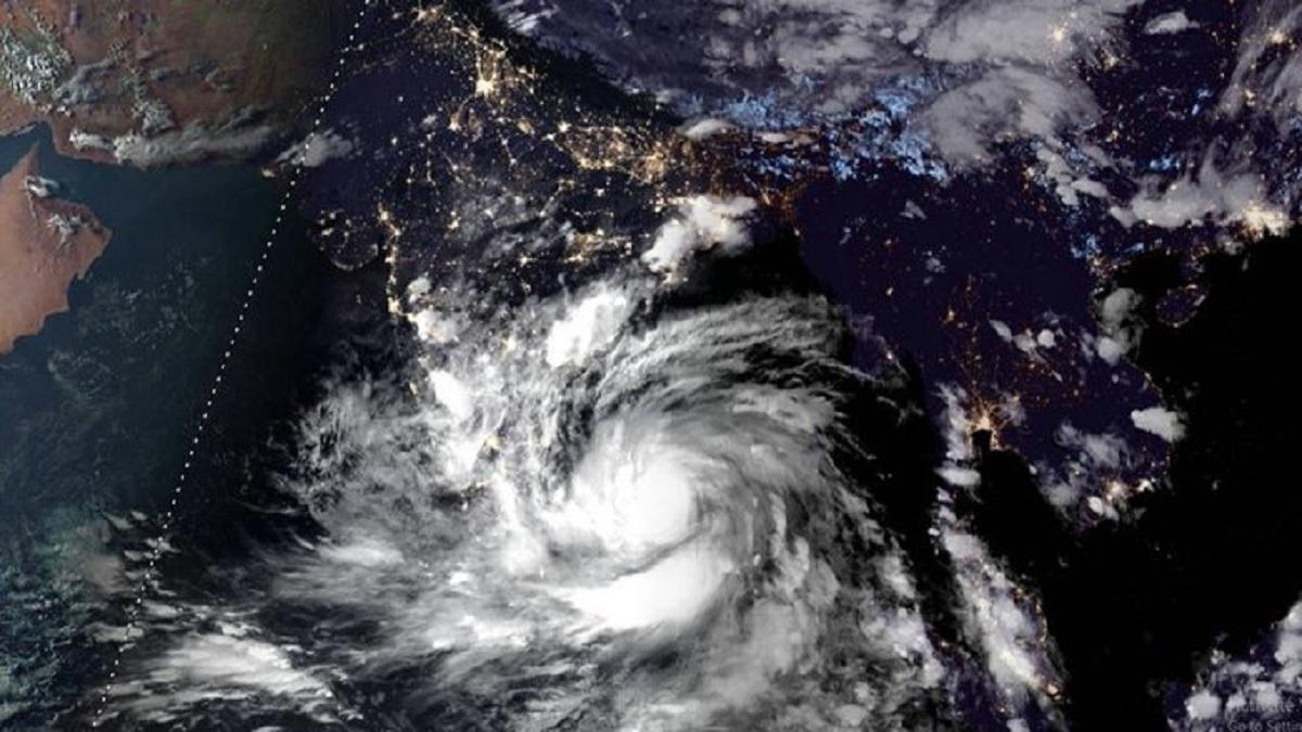 ALERT: Amphan intensifies into severe cyclonic storm; West Bengal ...