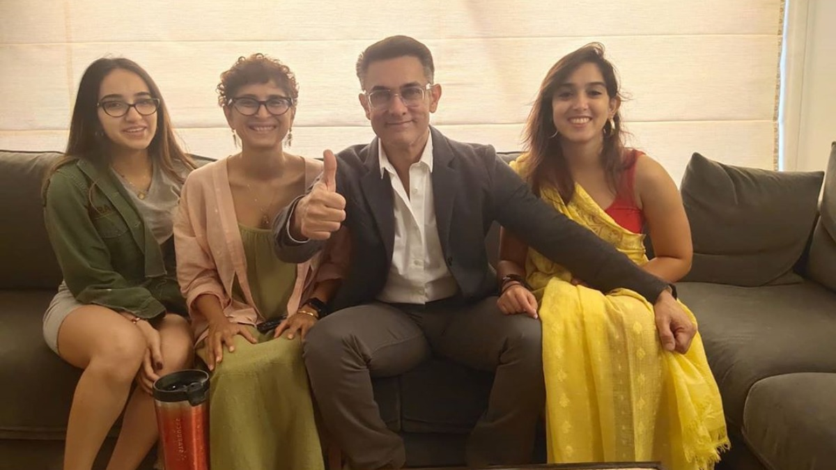 Aamir Khan suits up for family movie night with wife Kiran Rao, daughter  Ira Khan amid lockdown | Celebrities News – India TV