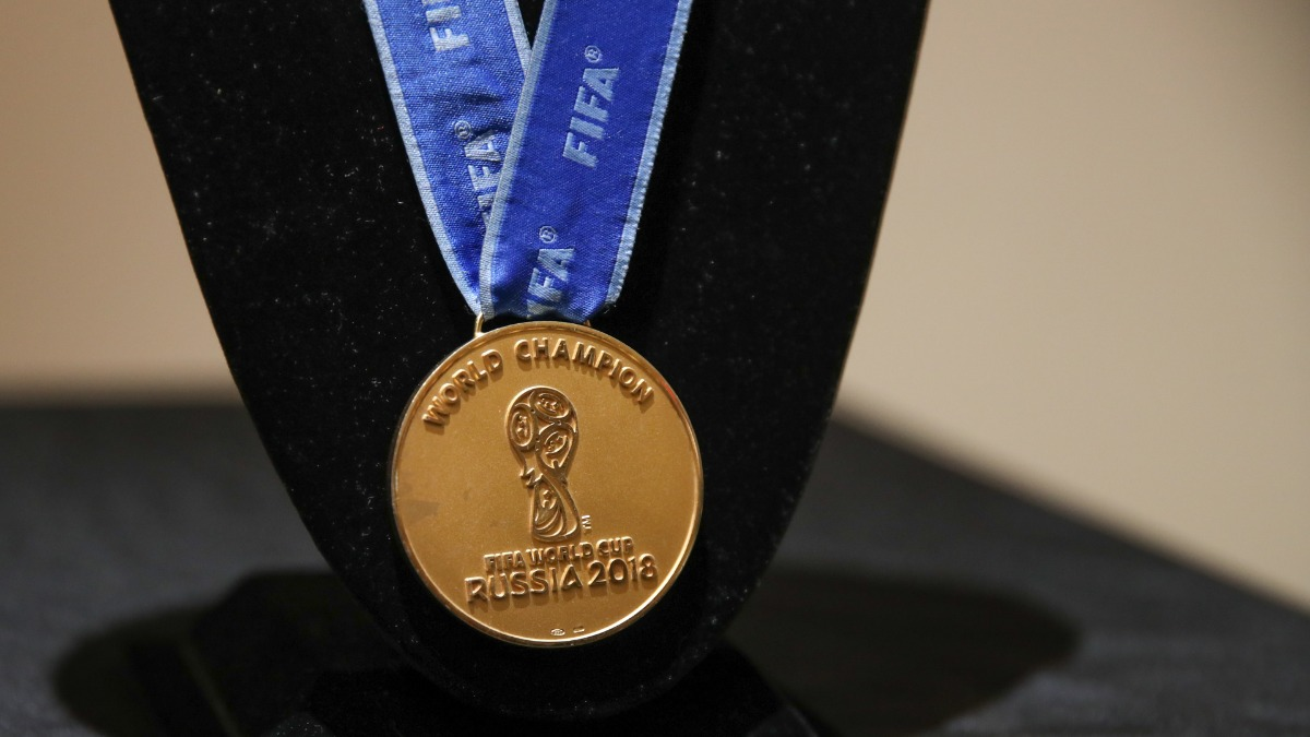 Member Of France S 2018 World Cup Winning Squad Auctions Off Medal For Usd 71 875 Football News India Tv