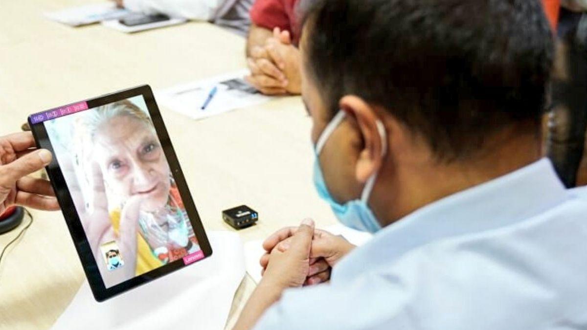 LNJP hospital gets video calling facility for Coronavirus patients to talk  from Corona wards | Technology News – India TV