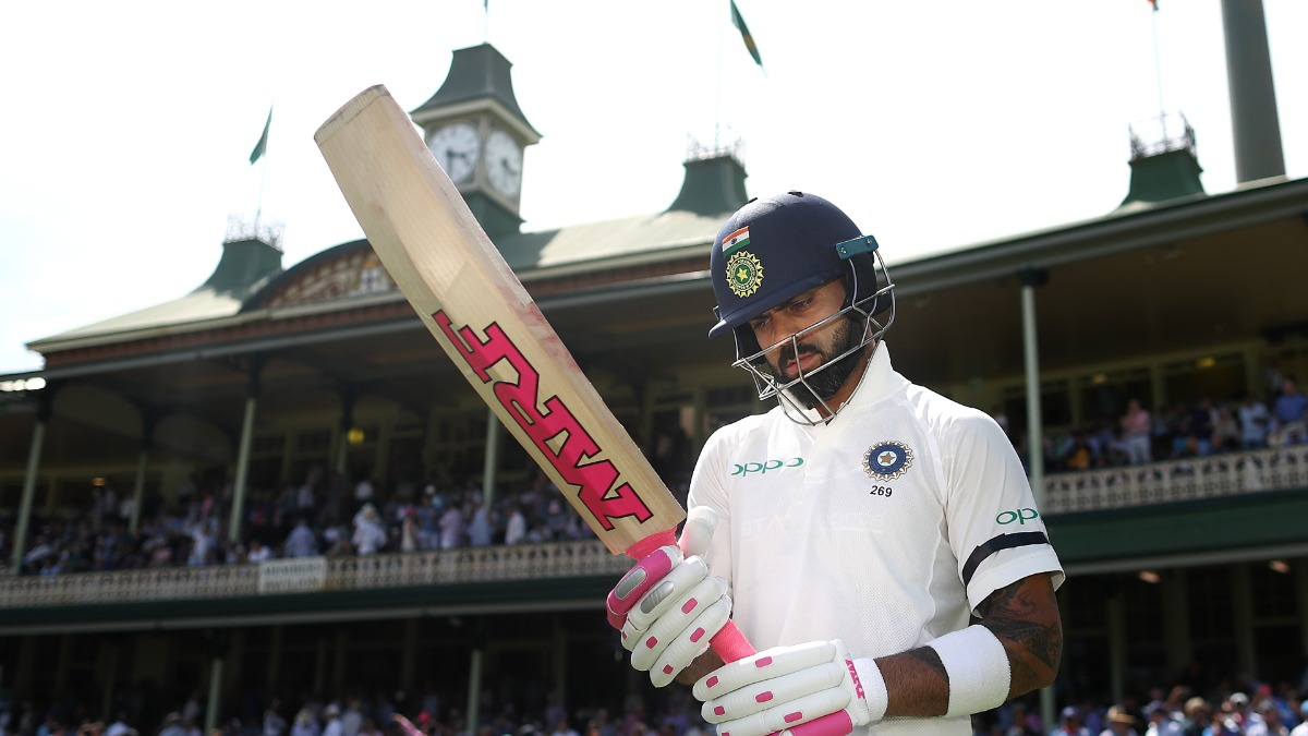 You Don T Upset The Bear Dean Jones Rubbishes Clarke Claims Of Australian Team Sucking Up To Virat Kohli Cricket News India Tv