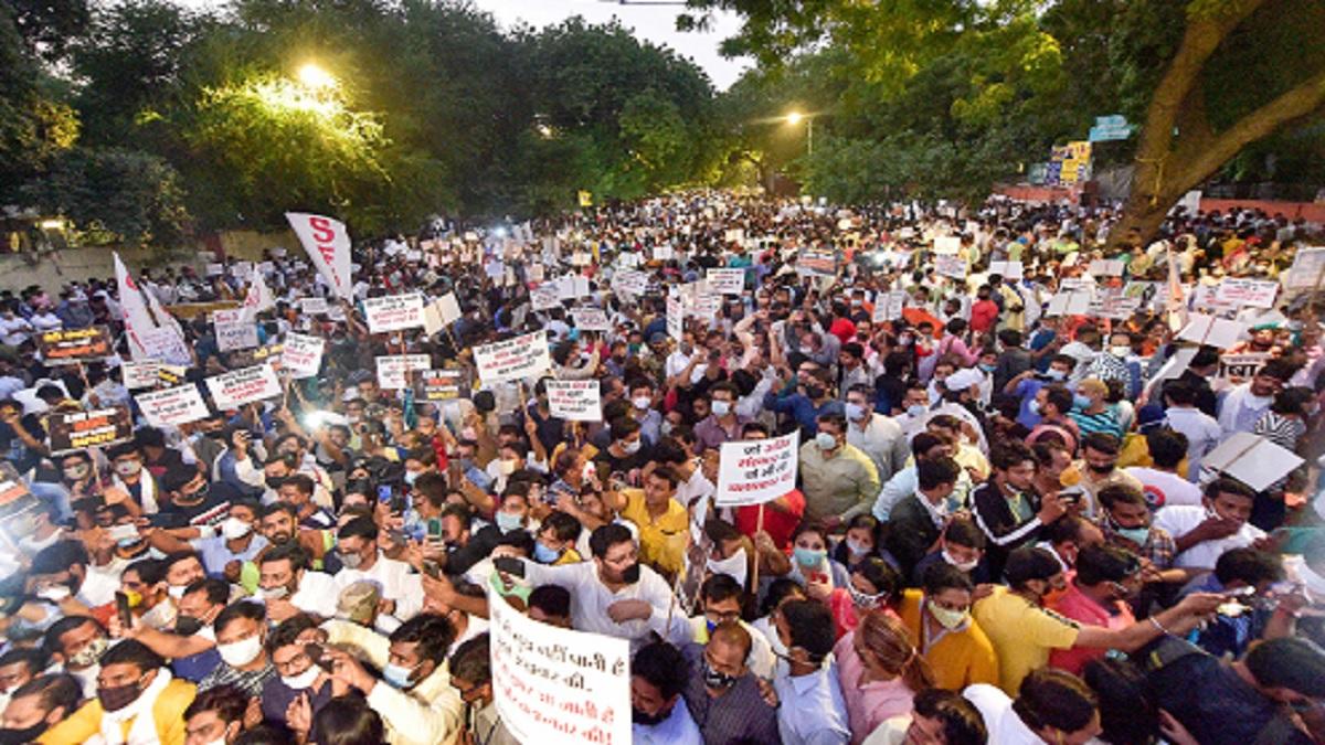 Hathras Gangrape Murder Live Updates victim family | India News – India TV