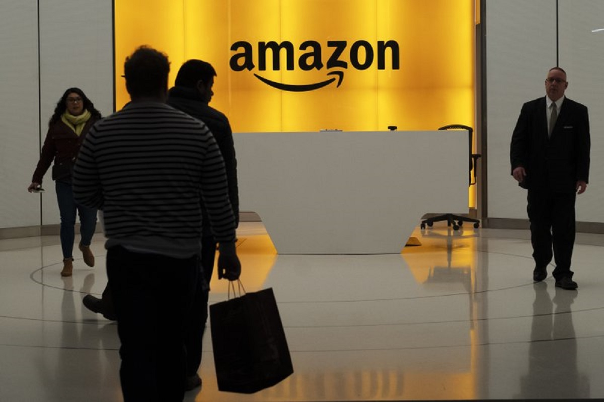 amazon surpasses $100b in quarterly revenue for 1st time | business news –  india tv