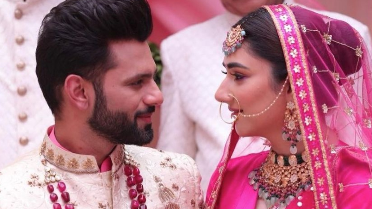 Rahul Vaidya-Disha Parmar's pic as wedding couple invites congratulatory wishes from B-town | Celebrities News – India TV