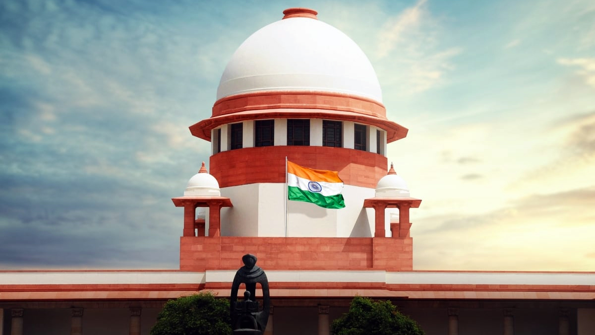 Supreme Court asks Centre for national policy on oxygen supply, essential drugs and method of vaccination | India News – India TV