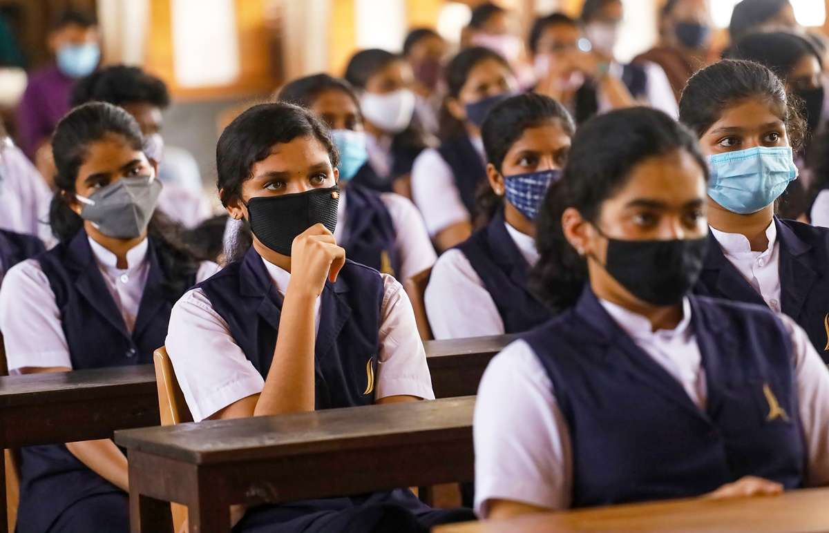 Cbse To Train 5 Million Youth As 'Young Warrior' In Fight Against Covid-19    Education News – India Tv