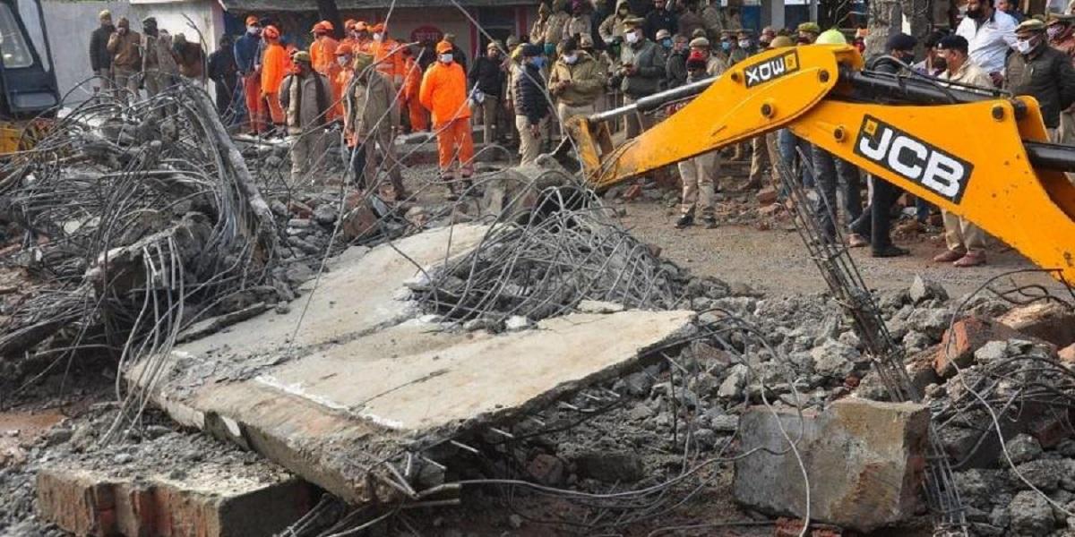 3 Killed and 4 People Got Hurt as Roof Collapsed Muzaffarnagar