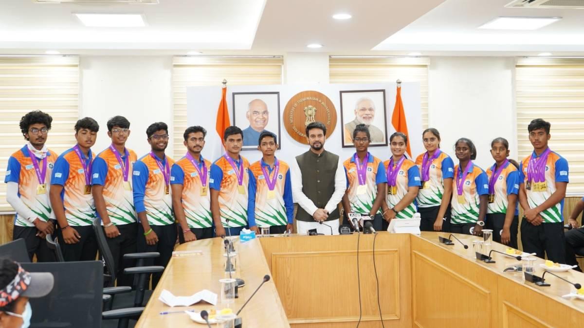 Anurag Thakur Met World Youth Archery Winners to Congratulate Them: School Megamart 2021