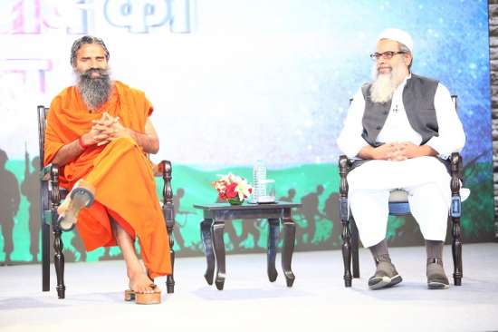 India Tv - Ramdev and Maulana Madani