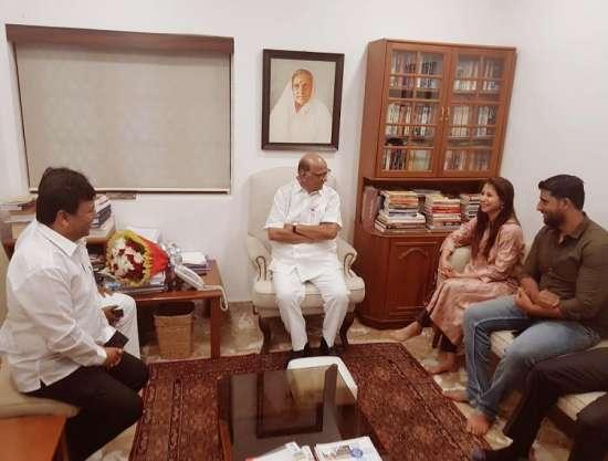 India Tv - Urmila Matondkar meets Sharad Pawar