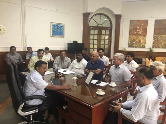 India Tv - Kejriwal holds meet with his cabinet