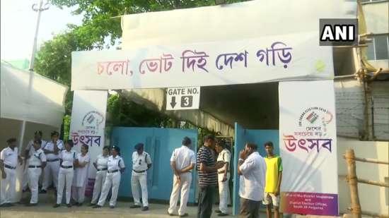 India Tv - Counting center in Kolkata
