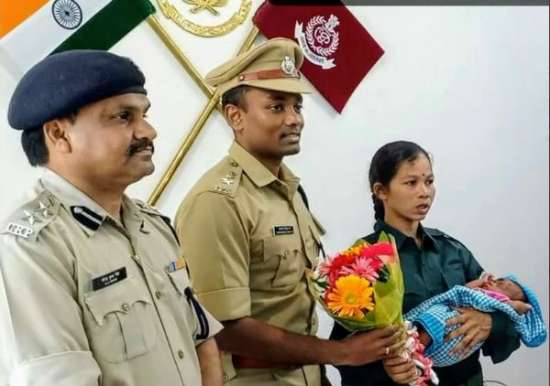 India Tv - Woman naxal surrenders with her baby; will be rehabilitated as per state policy