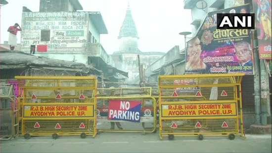 India Tv - Security outside Hanuman Garhi Mandir, Ayodhya