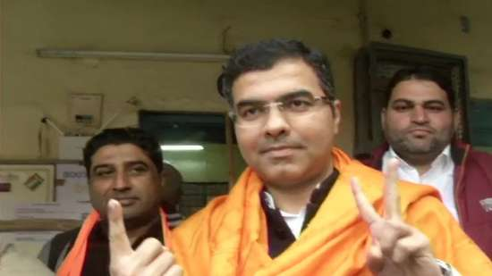 India Tv - BJP MP Parvesh Verma casts his vote