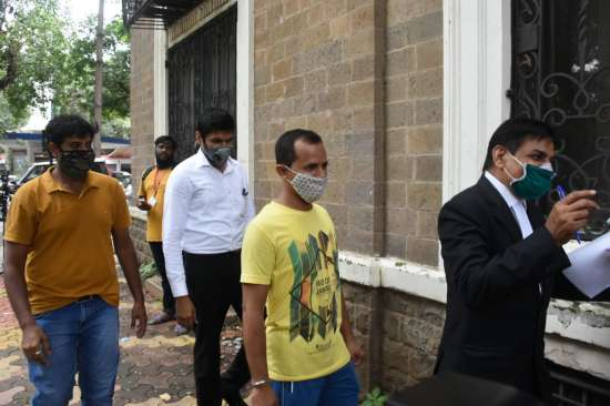 India Tv - Sushant's cook reaches ED office